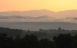 9994-sunrise-at-orvieto-umbria-italy-free-landscape-and-scenic-desktop_531x331